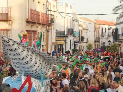 Gines brilla con su Carnaval de Luz