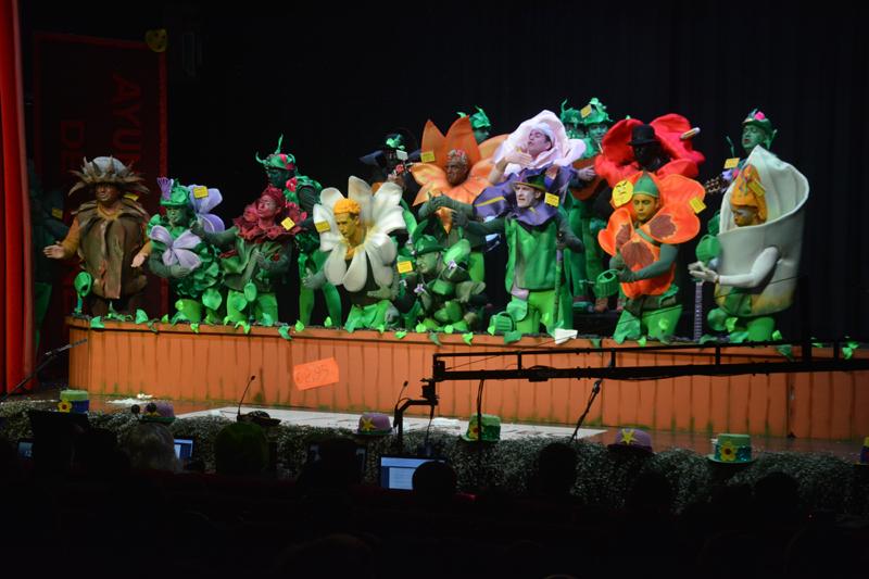 El Certamen de Agrupaciones del Carnaval de Gines concluye con una espectacular final en El Tronío