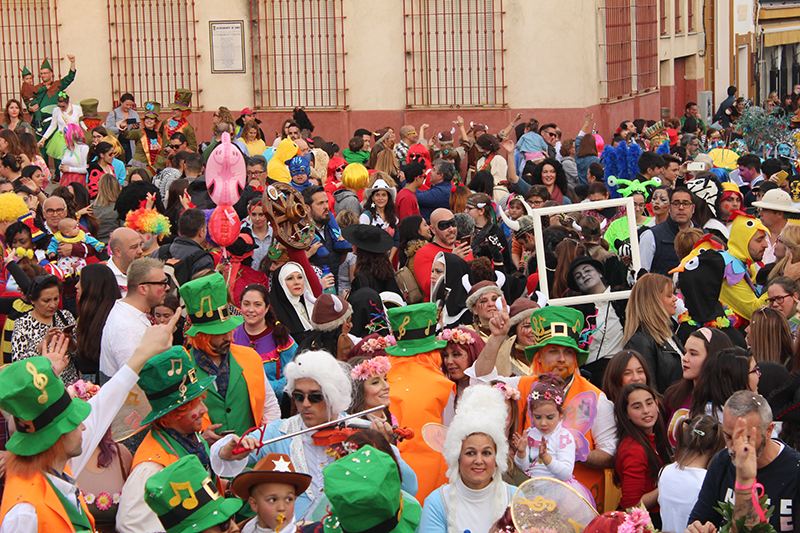 Gines disfruta este sábado de su Carnaval de Luz, que seguirá el exitoso formato de los últimos años